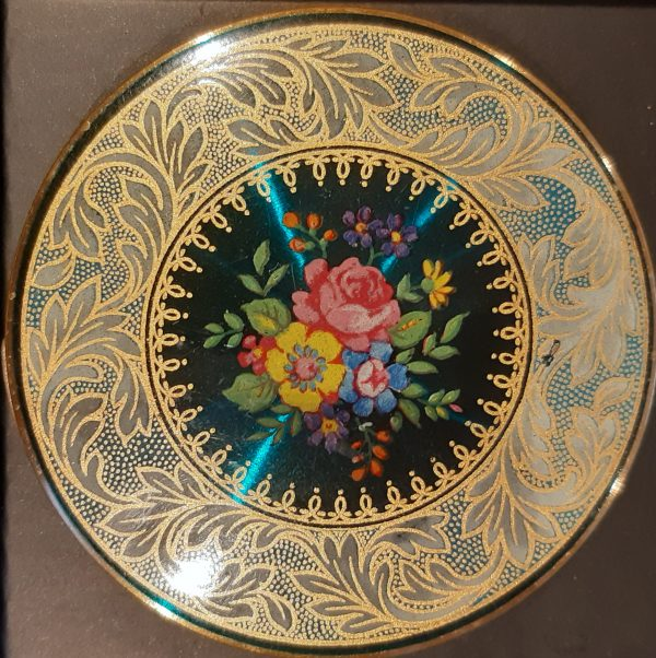 Stratton flowers compact
