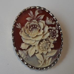 Flower cameo brooch
